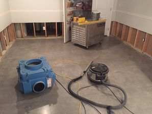 Water Damage Cleanup from Flooded Basement after Pipes Burst in Branford CT (4)